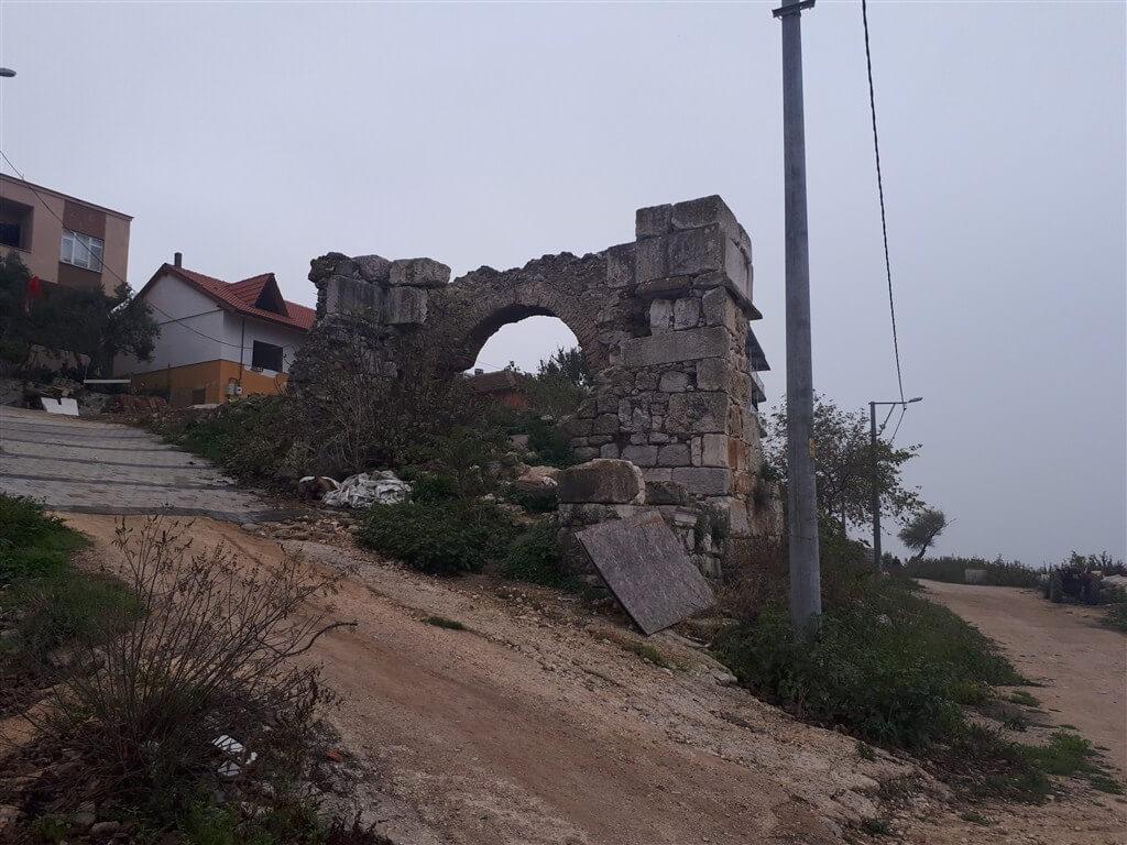 Gölyazı Tarihi Taş Duvarlar