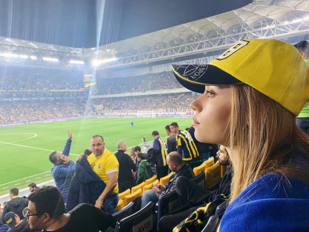 Afra Saraçoğlu Fenerbahçe